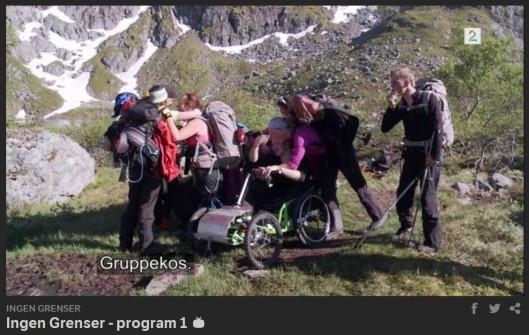Så flinke vi har vært! Da må det bli GRUPPEkos, påpekt av ekspedisjonsleder Hjelmesett selvsagt. (Foto: Screen print Sumo)